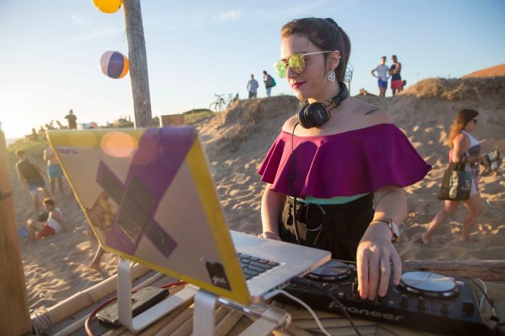 DJ Vala Nirenberg