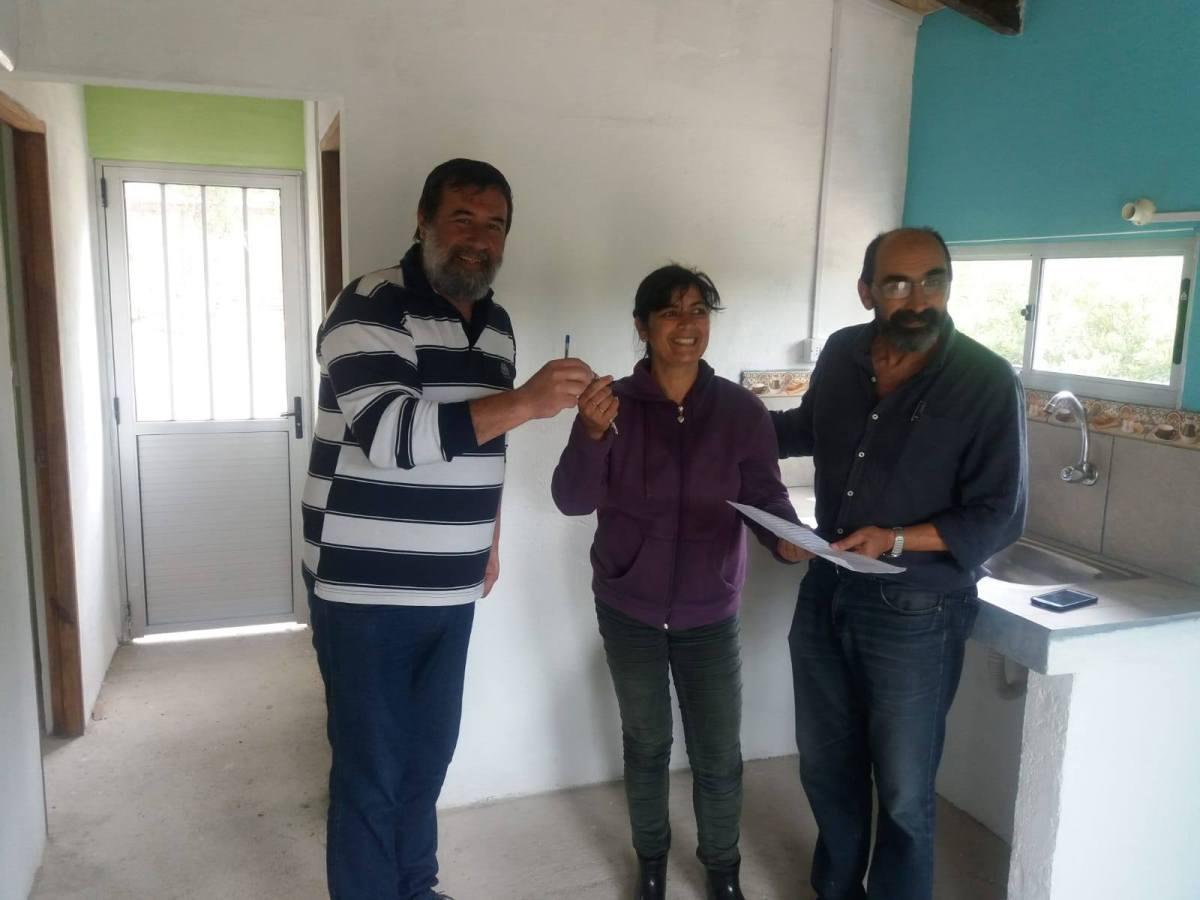 Entregaron vivienda social en La Paloma